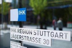 Foto vom Eingangsschild der IHK Stuttgart