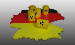 Karte von Deutschland, auf der Fässer mit Atommüll die Atommüll-Endlagerung symbolisieren.